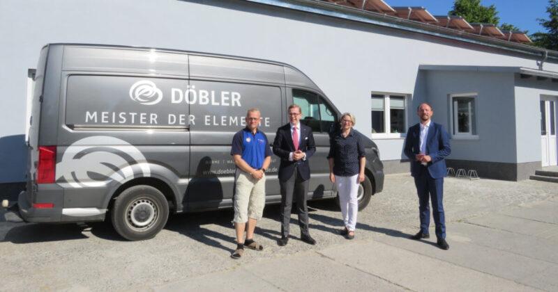Marco Wanderwitz und Philipp Amthor gemeinsam mit Pasewalks Bürgermeisterin Sandra Nachtweih