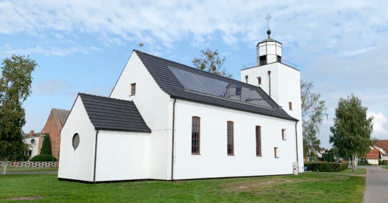 Mönkebude Kirche